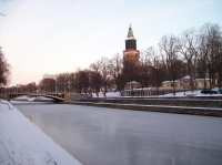 turku_snow4_frozen_aura_river.jpg